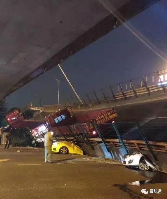 刚刚突发更新 | 超载作孽,无锡312国道高架桥垮塌,现场惨烈