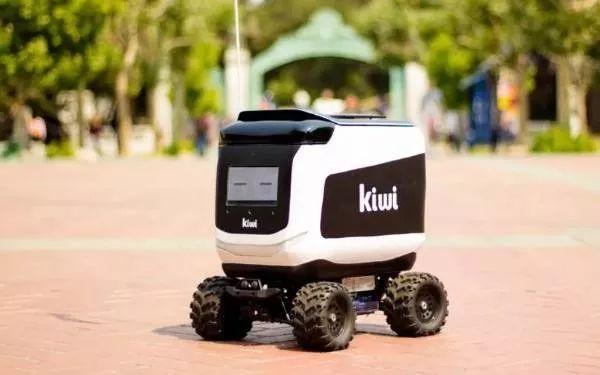 活跃在美国名校的网红无人送餐车,居然是辆遥控车