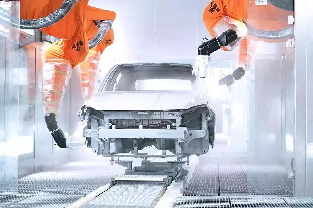 海马小鹏智能工厂首次曝光!投资20亿,250台ABB机器人高速运转
