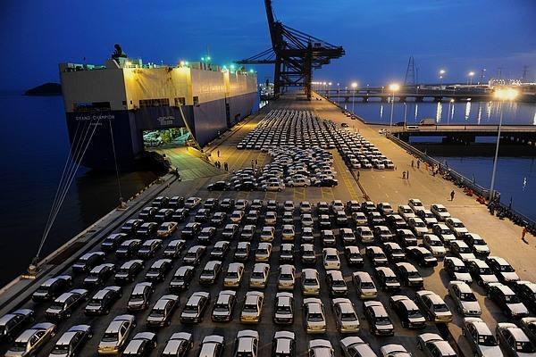 上海自贸区国际贸易单一窗口推出近5年 服务企业27万家节省成本超20亿元