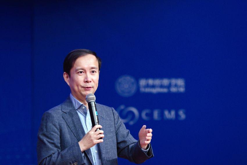 """阿里巴巴CEO张勇:要做""""造风者?#20445;?#32780;不是""""追风者"""""""