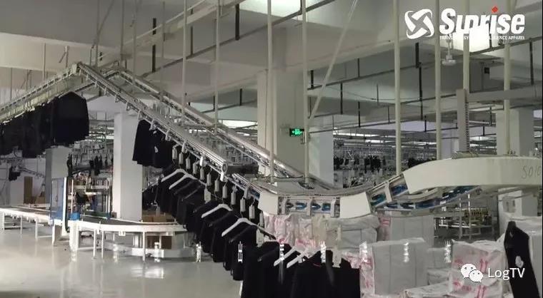 运输+存储+堆垛+检索全自动!现代服装仓库这么先进?