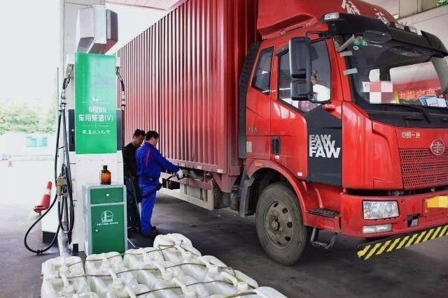 """上海已建""""地沟油""""加油站247座,为货车卡车省油钱还不伤车"""