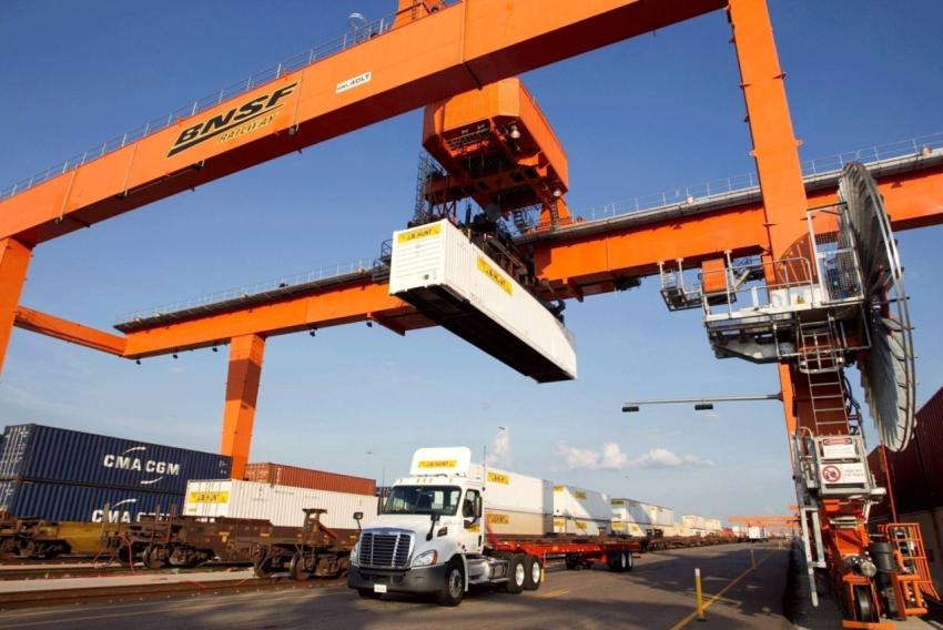 """运输市场大洗牌并不遥远,""""水陆空铁""""的多式联运已进入黄金期"""