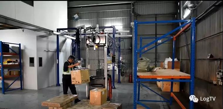 完美的单人搬运解决方案:叉车集成吊运设备