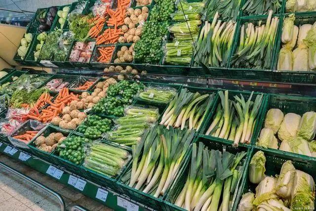 商务部:大型农产品批发市场平均复工率达97% ,农贸市场(菜市场)94%