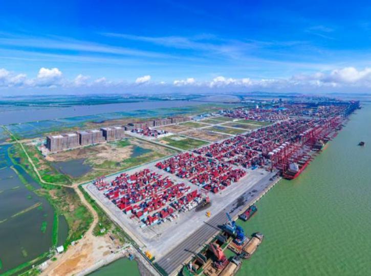 广州南沙斥35亿元建全国最大冷链母港