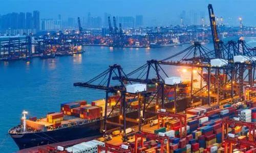 欧洲港口现集装箱史无前例大拥堵,运费继续上涨、短期难回落